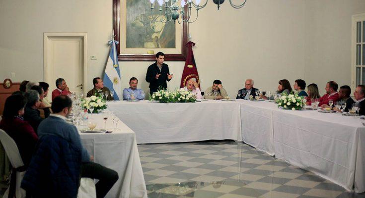 05-06-digitales-urtubey-cena-senadores-provinciales3